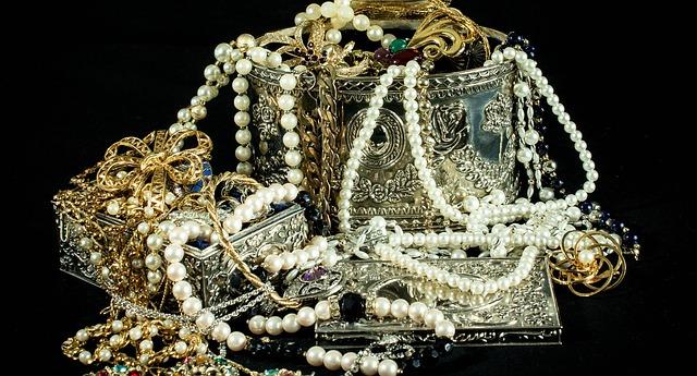 staré šperky.jpg