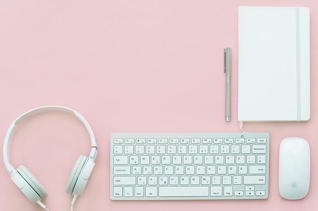 růžový stůl.jpg